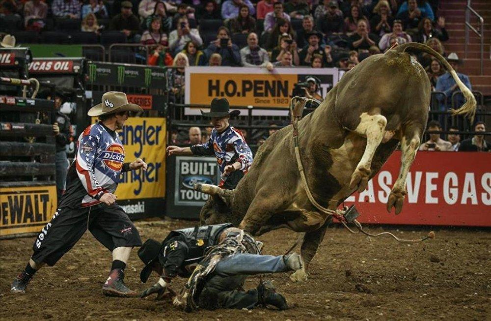 Rodeo Şampiyonası'ndan nefes kesen görüntüler