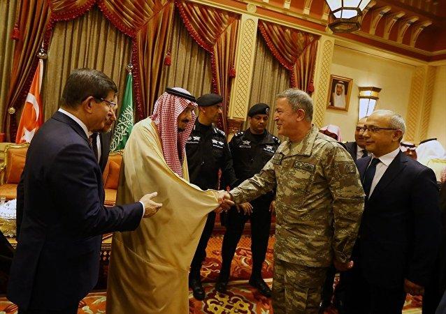 Başbakan Ahmet Davutoğlu - Kral Selman bin Abdulaziz - Başbakan Yardımcısı Lütfi Elvan - Genelkurmay Başkanı Orgeneral Hulusi Akar