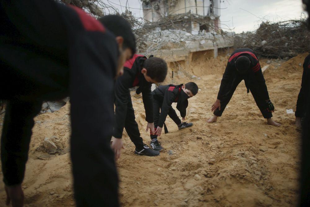 Gazze'de genç ninjalar
