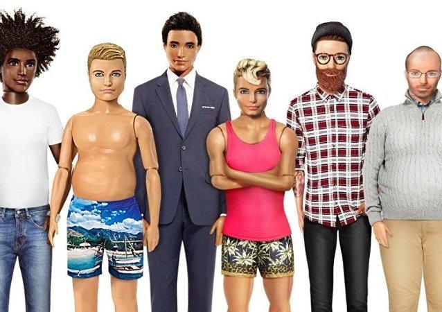 Barbie'lerin erkek versiyonu olan Ken'in de çeşitli versiyonları