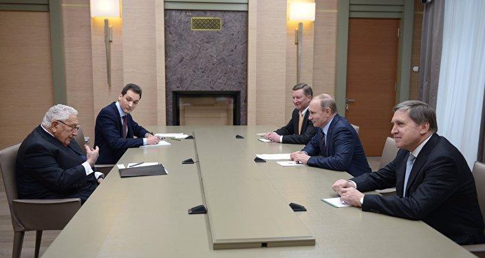 Rusya Devlet Başkanı Vladimir Putin- Eski ABD Dışişleri Bakanı Henry Kissenger