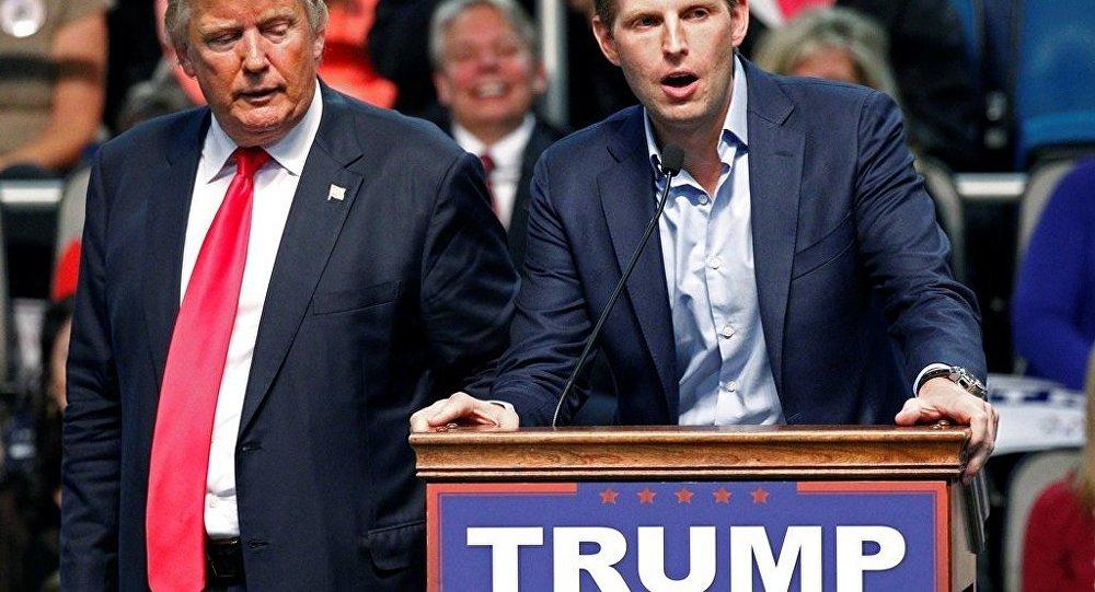 ABD'de Cumhuriyetçi Parti başkan adaylarından Donald Trump ve oğlu Eric Trump