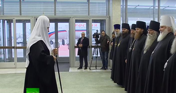 Rus Ortodoks Kilisesi lideri Patrik Kirill yarın Katoliklerin lideri Papa Francis'le gerçekleştireceği tarihi görüşme için Küba'ya gitmek üzere yola çıktı.