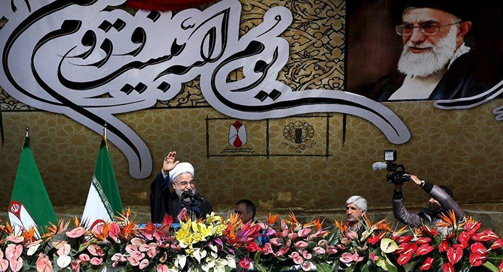 İran'da İslam Devrimi'nin 37. yıldönümünde düzenlenen törende Cumhurbaşkanı Hasan Ruhani konuşma yaptı.