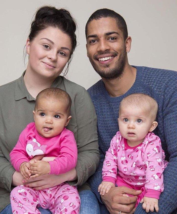 Hannah Yarker, Kyle Armstrong ve ikizleri Anaya ile Myla