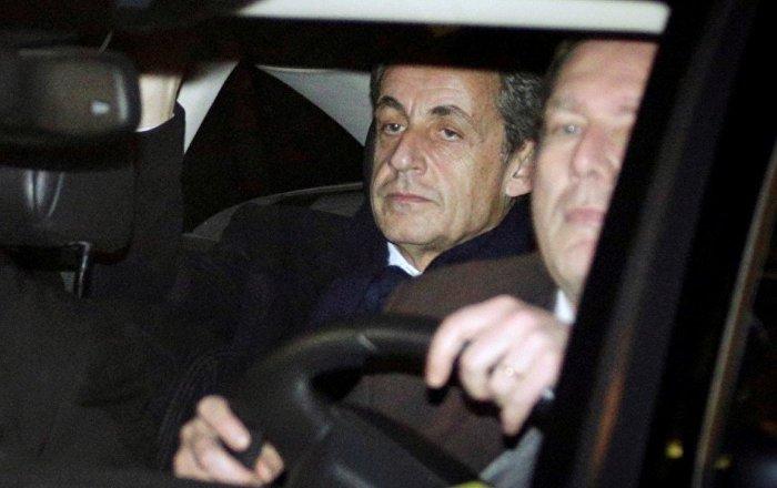 """""""Sarkozy'i bir yalancı ve rüşvetçi"""""""