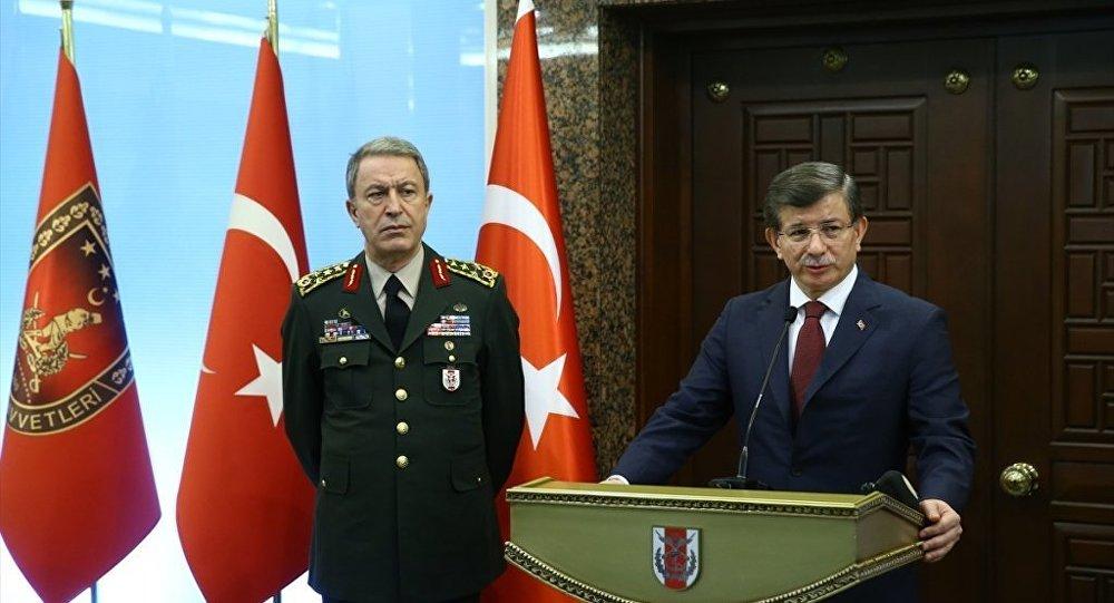Genelkurmay Başkanı Hulusi Akar ve Başbakan Ahmet Davutoğlu