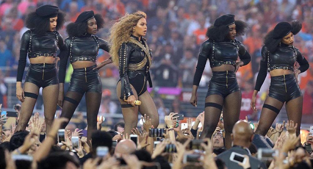 Beyonce'nin Super Bowl şovu
