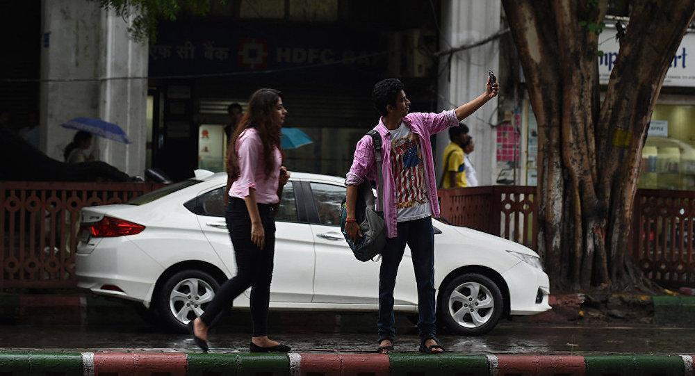 Mumbai'de selfie çekmek yasaklandı