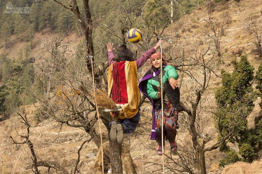 Hintli çocuklar Quidditch oynadı