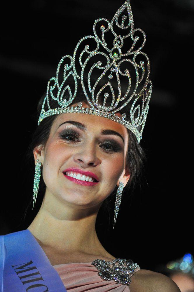 Miss Moscow 2016  birincisi Yelena Petuhova.