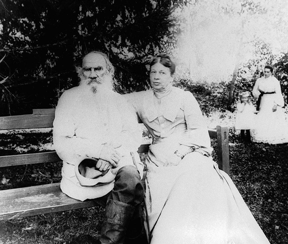 Lev Tolstoy ve eşi Sofya Tolstoya