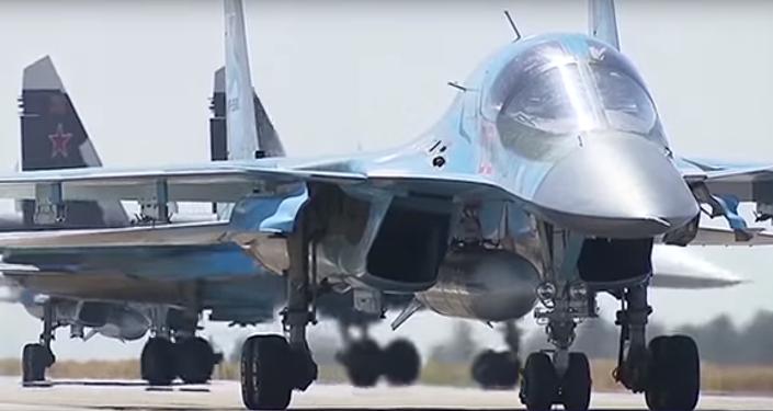 Rus uçaklarının Suriye'den ayrıldığı anlar kamerada