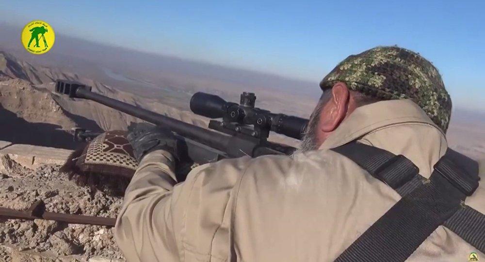62 yaşındaki Ebu Tahsin, IŞİD'e karşı savaşmak için keskin nişancı oldu