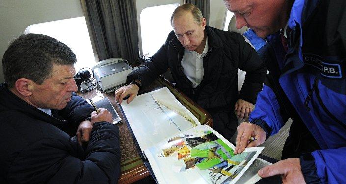 Vladimir Putin Kırım'da
