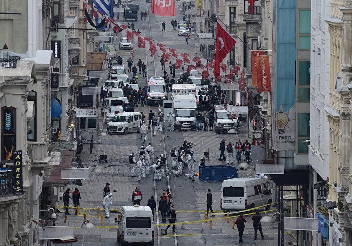 İstanbul'da canlı bomba saldırısı