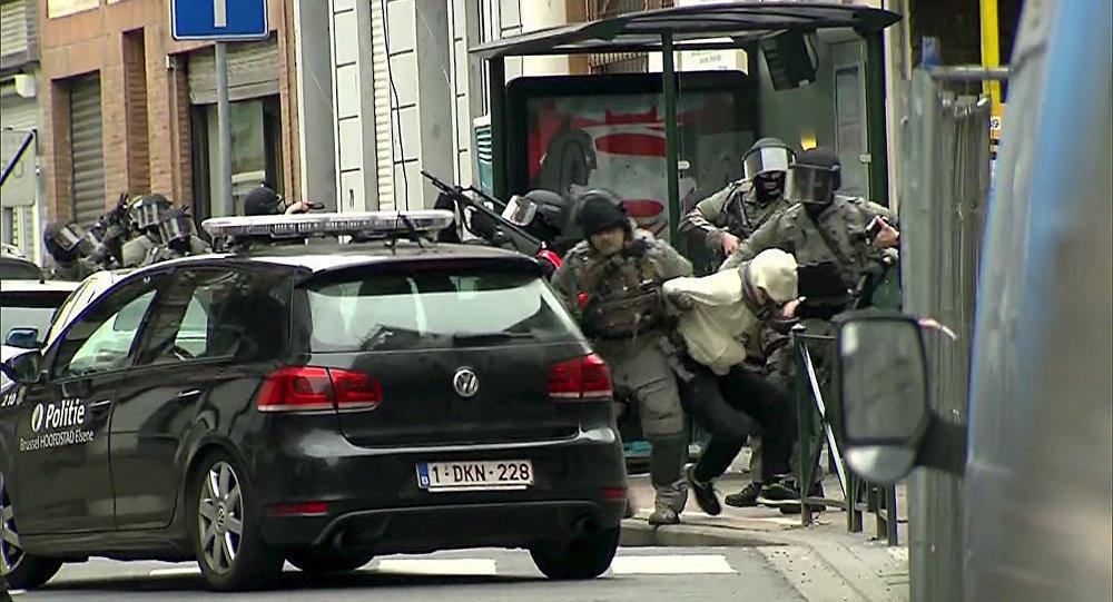 Paris'teki saldırıların zanlısı Salah Abdeslam'ın yakalanma anı