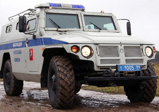Rusya'da polislerin kullandığı GAZ-233036 'Tigr' aracı.