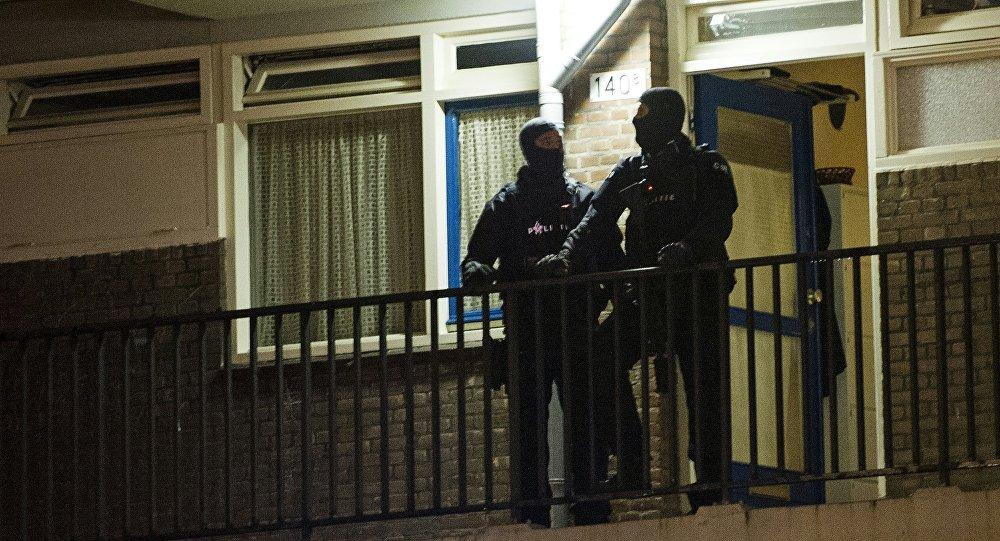 Hollanda polisinden 'cihat hapı' laboratuvarına baskın