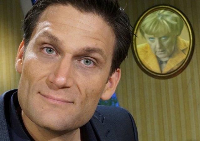 Alman NDR kanalında yayınlanan Extra 3 programının sunucusu Christian Ehring