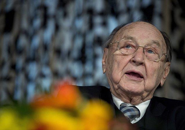 Eski Almanya Dışişleri Bakanı Hans-Dietrich Genscher