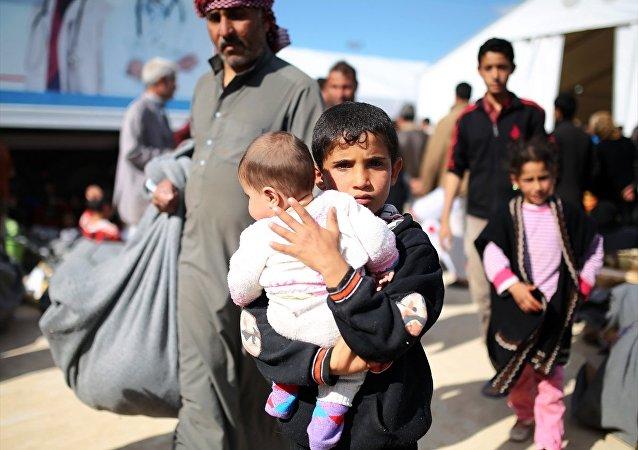 IŞİD 2 bin iç göçmeni yerinden etti