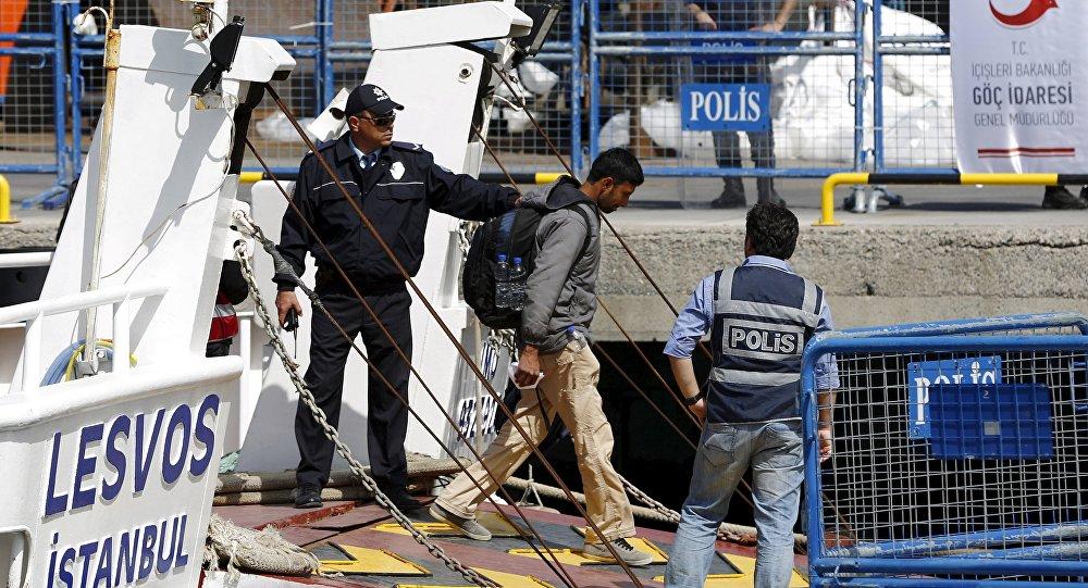 Midilli'den Dikili'ye gönderilen bir sığınmacı