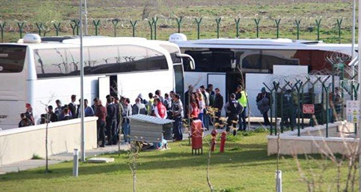 Türkiye'ye iade edilen sığınmacılar Kırklareli'ye ulaştı