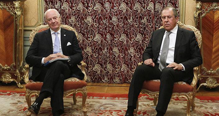 BM Suriye Özel Temsilcisi Staffan De Mistura ve Rus Dışişleri Bakanı Sergey Lavrov