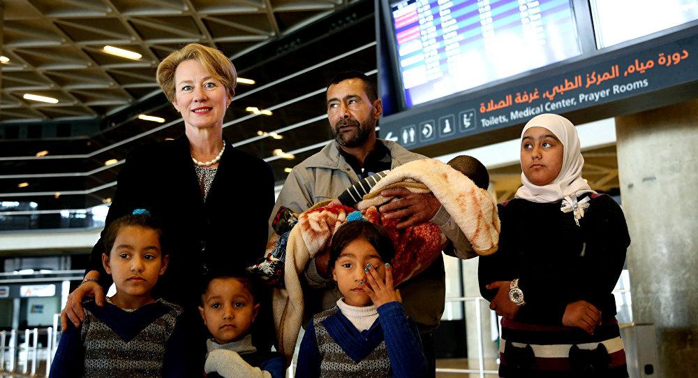 ABD'nin Amman Büyükelçisi Alice Wells, Abboud ailesine havaalanına kadar eşlik etti.
