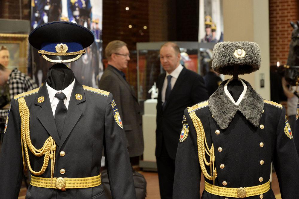 1993 yılında Ayrı Kızıl Ordu Alayı'nın ismi Devlet Başkanlığı Alayı olarak değiştirilmişti.