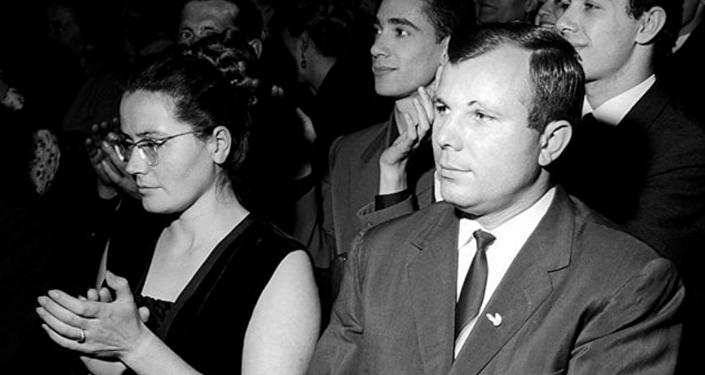Yuri Gagarin ve eşi