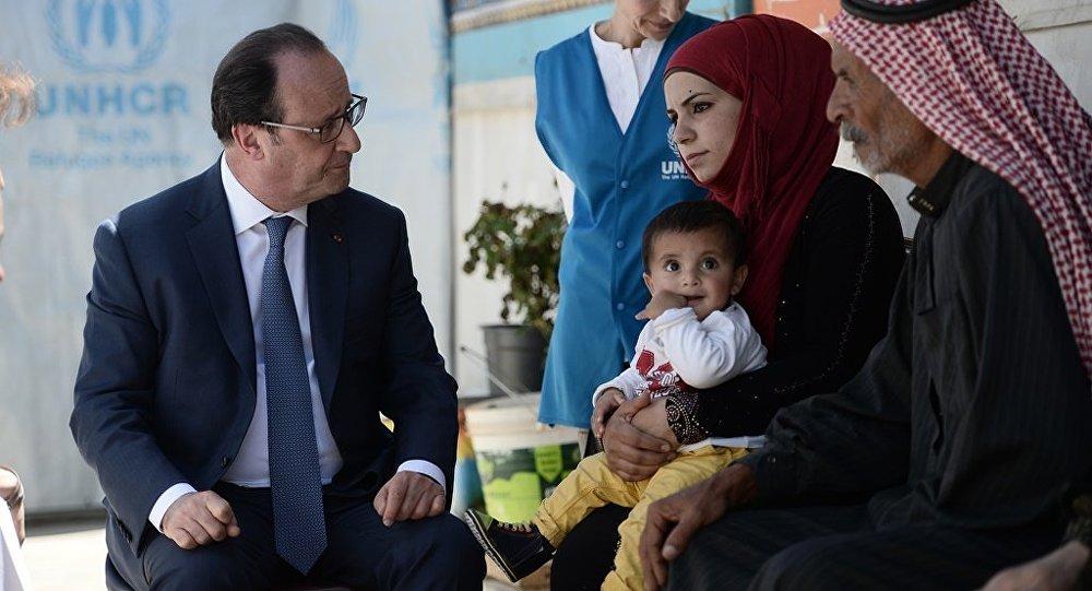 Fransa Cumhurbaşkanı François Hollande, Beka bölgesindeki Dalhemiyye sığınmacı kampını ziyaret etti.