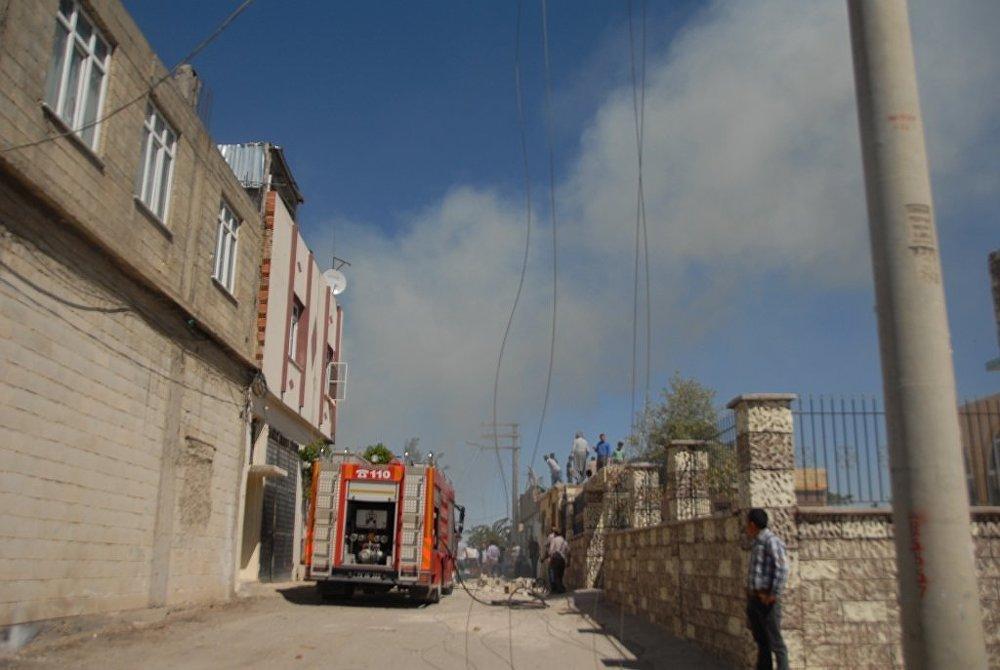 İtfaiye ekiplerinin müdahalesiyle yangın kısa sürede kontrol altına alındı.