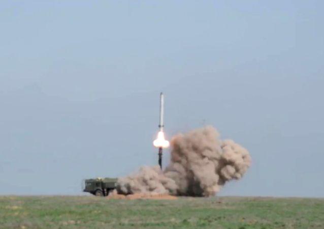 Rusya Savunma Bakanlığı, Astrahan bölgesinin Kapustin Yar poligonunda gerçekleşen İskender-M balistik füze denemesinin başarılı olduğunu açıkladı.