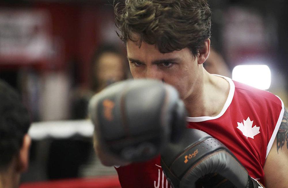 Kanada Başbakanı Justin Trudeau boks ringinde.