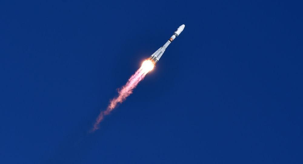 Rusya'nın uzak doğusunda inşa edilen yeni uzay üssü Vostoçnıy'dan bir ilk olarak bu sabah 05:01'de Soyuz-2.1a roketi fırlatıldı.