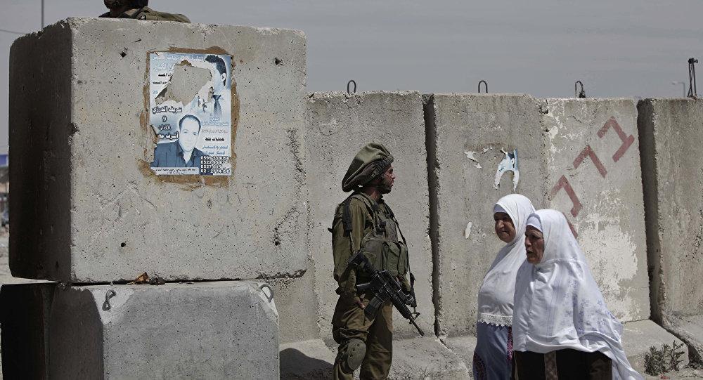 Batı Şeria'daki Kalendiye kontrol noktası