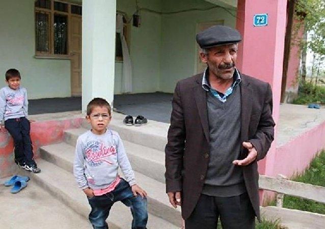 TAK'ın (Kürdistan Özgürlük Şahinleri) üstlendiği Bursa Ulu Camii önündeki canlı bomba eylemini gerçekleştirdiği ileri sürülen Eser Çali'nin Iğdır'daki babası konuştu.