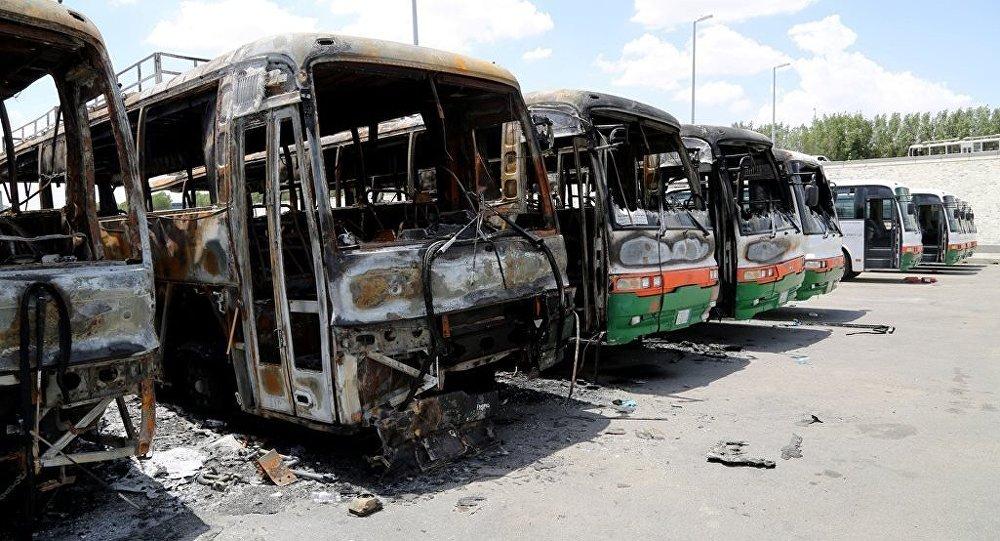 Suudi Arabistan'ın en büyük şirketlerinden Binladin Group'un 77 bin işçinin işlerine son vermesinin ardından düzenlenen gösterilerde, en az 9 otobüs yakıldı.