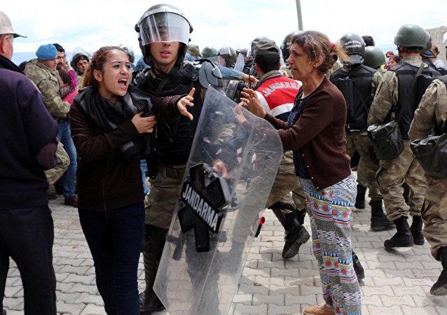 Kahramanmaraş'taki çadır protestosunda gerginlik