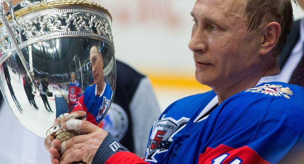 Putin buz rinkine çıktı