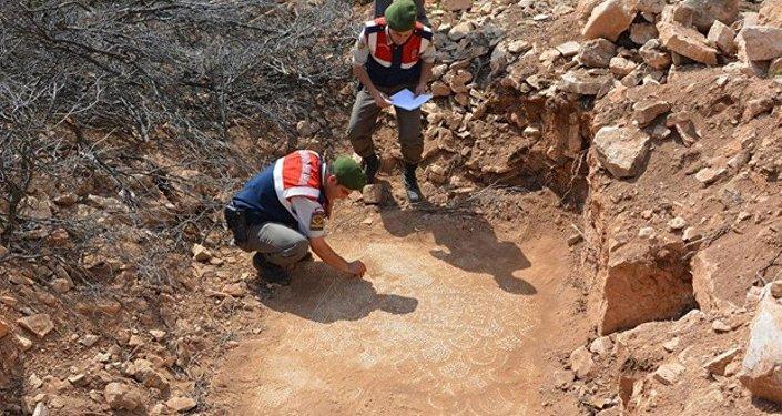 Kaçak kazı alanında Bizans kilisesi ve yerleşim yeri bulundu