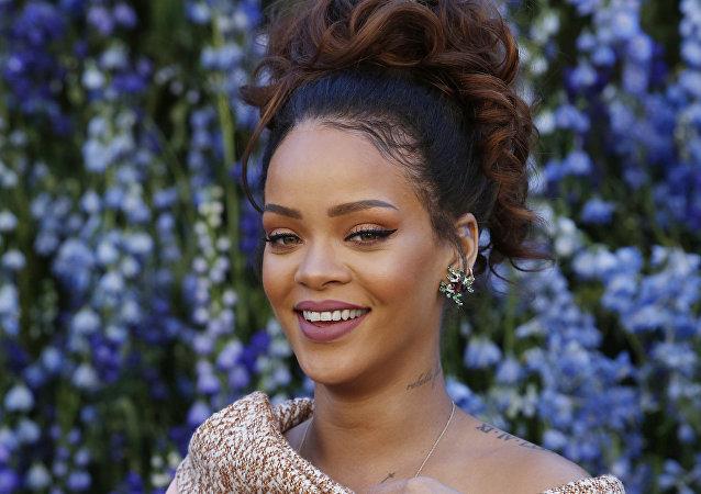 Barbados kökenli ABD'li şarkıcı Rihanna