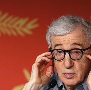 Yönetmen Woody Allen