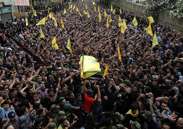 Hizbullah komutanı Mustafa Bedreddin'in cenaze töreni.