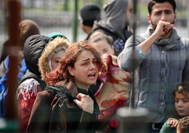 Avrupa Birliği ve Türkiye arasında imzalanan anlaşma kapsamında Midilli'den Dikili'ye gönderilen sığınmacılar.