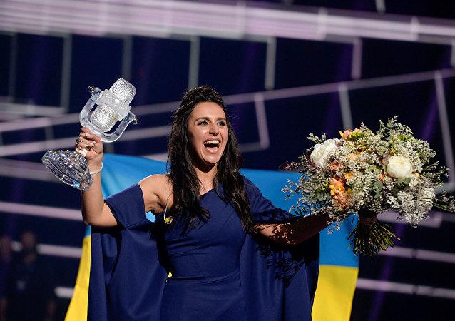 Eurovision'da birinci olan Kırım Tatarı Jamala.