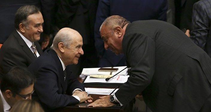 Devlet Bahçeli ve Tuğrul Türkeş bir arada