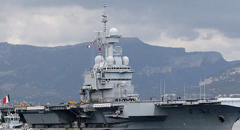 Fransız savaş gemisi